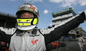Button seizes crown in Brazil after banner year