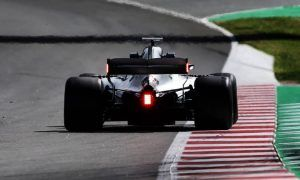 FIA turns on rear-wing endplate lights for 2019