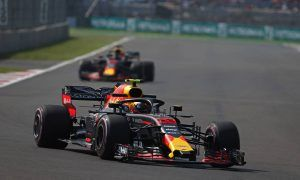 Bulls remain in charge in FP2 but Verstappen hits trouble