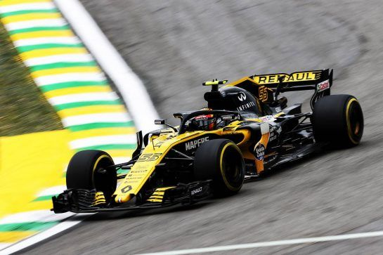 Carlos Sainz Jr (ESP) Renault Sport F1 Team RS18. 09.11.2018. Formula 1 World Championship, Rd 20, Brazilian Grand Prix, Sao Paulo, Brazil, Practice Day. - www.xpbimages.com, EMail: requests@xpbimages.com - copy of publication required for printed pictures. Every used picture is fee-liable. © Copyright: Charniaux / XPB Images