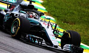 Damaged engine puts Hamilton at risk for Abu Dhabi