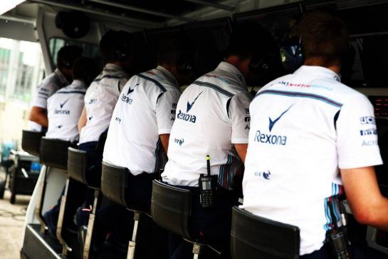 Williams pit gantry. 10.11.2018. Formula 1 World Championship, Rd 20, Brazilian Grand Prix, Sao Paulo, Brazil, Qualifying Day. - www.xpbimages.com, EMail: requests@xpbimages.com - copy of publication required for printed pictures. Every used picture is fee-liable. © Copyright: Batchelor / XPB Images