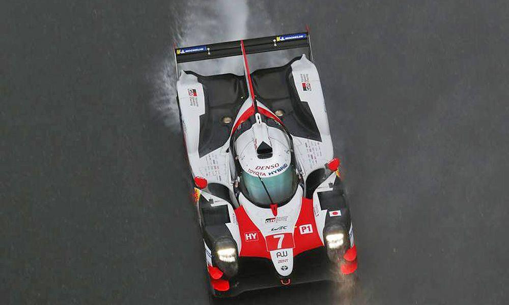 Wet weather running for Mike Conway (GBR) / Kamui Kobayashi (JPN) / Jose Maria Lopez (ARG) #07 Toyota Gazoo Racing Toyota TS050 Hybrid. 18.11.2018.