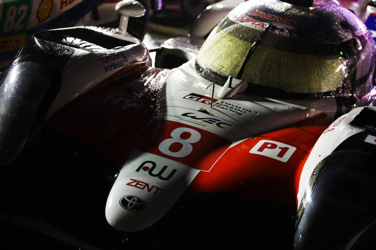 Sebastien Buemi (SUI) / Kazuki Nakajima (JPN) / Fernando Alonso (ESP) #08 Toyota Gazoo Racing Toyota TS050 Hybrid. 18.11.2018.
