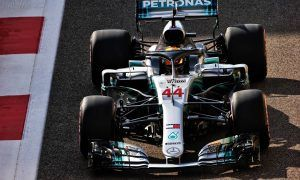 Hamilton keeps Mercedes ahead in Abu Dhabi FP3