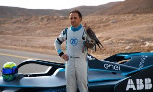 Felipe Massa races the fastest animal on earth!