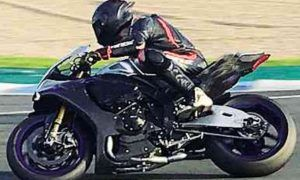 Hamilton hits the ground during Jerez Superbike test!