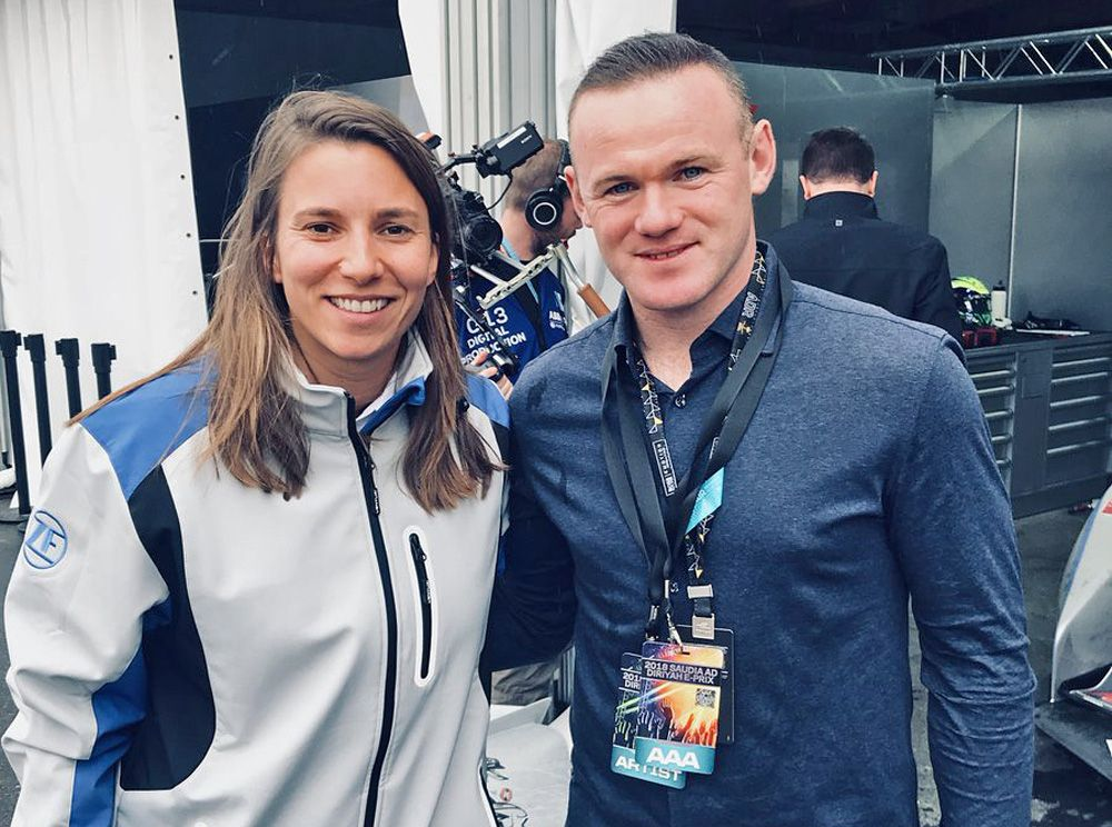 Wayne Rooney meets ABB Formula E brand ambassador Simona de Silvestro in the paddock at Ad Diriyah