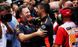 Ricciardo 'best overtaker in the business' declares Horner