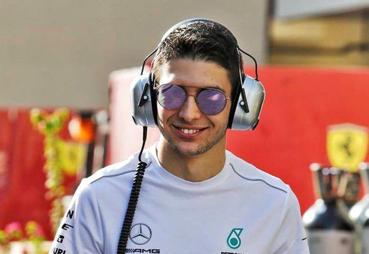 Esteban Ocon (FRA) Mercedes AMG F1. 27.11.2018. Formula 1 Testing,