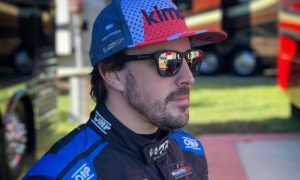 Alonso vows to be 'calm and clever' about his future
