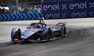 Bird captures Santiago E-Prix win after Buemi throws it away