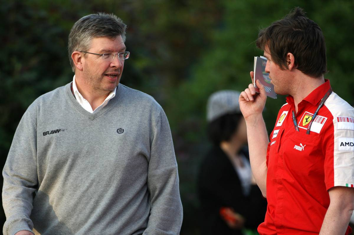 Ross Brawn and Rob Smedley - Shanghai 2009