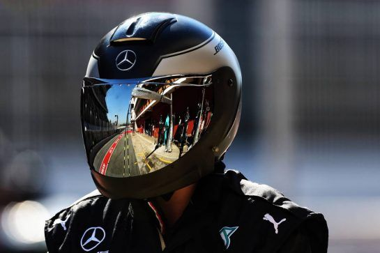 Mercedes AMG F1 mechanic. 27.02.2019. Formula One Testing, Day Two, Barcelona, Spain. Wednesday. - www.xpbimages.com, EMail: requests@xpbimages.com - copy of publication required for printed pictures. Every used picture is fee-liable. © Copyright: Moy / XPB Images