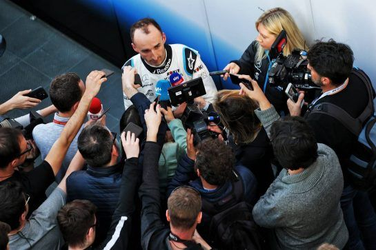 Robert Kubica (POL) Williams Racing with the media. 27.02.2019. Formula One Testing, Day Two, Barcelona, Spain. Wednesday.  - www.xpbimages.com, EMail: requests@xpbimages.com - copy of publication required for printed pictures. Every used picture is fee-liable. © Copyright: Bearne / XPB Images