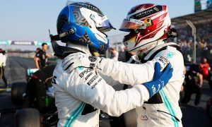 Emphatic Aussie front-row lock-out for Hamilton and Bottas!