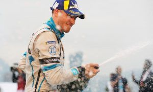 Bird's penalty hands Hong Kong ePrix victory to Mortara