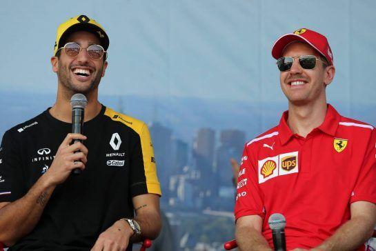 Daniel Ricciardo (AUS), Renault F1 Team and Sebastian Vettel (GER), Scuderia Ferrari 16.03.2019. Formula 1 World Championship, Rd 1, Australian Grand Prix, Albert Park, Melbourne, Australia, Qualifying Day.- www.xpbimages.com, EMail: requests@xpbimages.com - copy of publication required for printed pictures. Every used picture is fee-liable. © Copyright: Charniaux / XPB Images