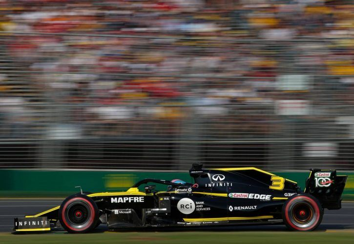 Hamilton dominant on Friday in Melbourne