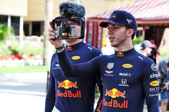 Pierre Gasly (FRA) Red Bull Racing and Max Verstappen (NLD) Red Bull Racing. 28.03.2019. Formula 1 World Championship, Rd 2, Bahrain Grand Prix, Sakhir, Bahrain, Preparation Day. - www.xpbimages.com, EMail: requests@xpbimages.com - copy of publication required for printed pictures. Every used picture is fee-liable. © Copyright: Moy / XPB Images