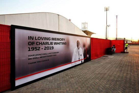 A tribute to Charlie Whiting in the paddock. 28.03.2019. Formula 1 World Championship, Rd 2, Bahrain Grand Prix, Sakhir, Bahrain, Preparation Day. - www.xpbimages.com, EMail: requests@xpbimages.com - copy of publication required for printed pictures. Every used picture is fee-liable. © Copyright: Moy / XPB Images