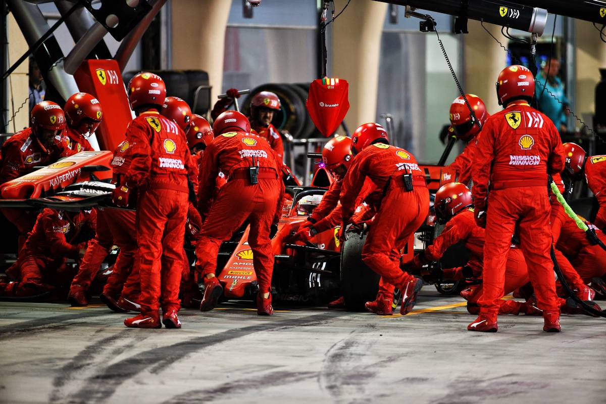 Sebastian Vettel (GER) Ferrari SF90 makes a pit stop to replace a broken front wing. 31.03.2019.