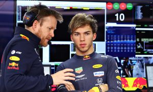Gasly 'needs to change driving style' despite qualifying upturn