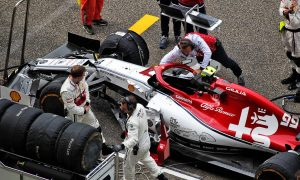 Giovinazzi hit with 10-place grid penalty in Baku