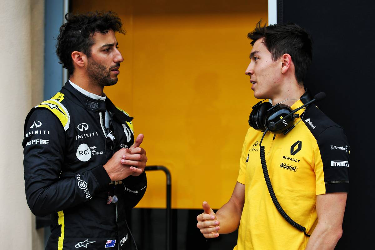 Ricciardo admits struggling with Renault