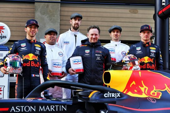 (L to R): Pierre Gasly (FRA) Red Bull Racing; Christian Horner (GBR) Red Bull Racing Team Principal; Max Verstappen (NLD) Red Bull Racing, celebrate 1000 F1 races with Esso and Mobil.  11.04.2019. Formula 1 World Championship, Rd 3, Chinese Grand Prix, Shanghai, China, Preparation Day. - www.xpbimages.com, EMail: requests@xpbimages.com - copy of publication required for printed pictures. Every used picture is fee-liable. © Copyright: Moy / XPB Images
