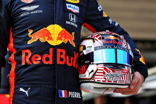 Pierre Gasly (FRA) Red Bull Racing celebrates 1000 F1 races with Esso and Mobil.  11.04.2019. Formula 1 World Championship, Rd 3, Chinese Grand Prix, Shanghai, China, Preparation Day. - www.xpbimages.com, EMail: requests@xpbimages.com - copy of publication required for printed pictures. Every used picture is fee-liable. © Copyright: Moy / XPB Images