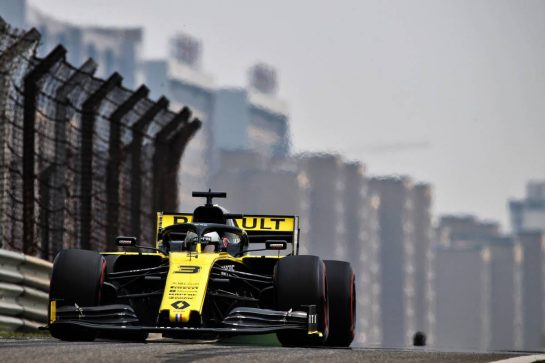 Daniel Ricciardo (AUS) Renault F1 Team RS19. 12.04.2019. Formula 1 World Championship, Rd 3, Chinese Grand Prix, Shanghai, China, Practice Day. - www.xpbimages.com, EMail: requests@xpbimages.com - copy of publication required for printed pictures. Every used picture is fee-liable. © Copyright: Batchelor / XPB Images
