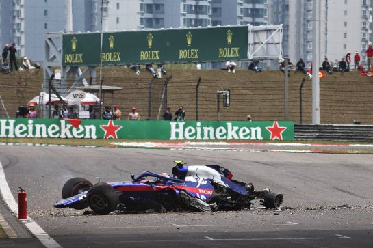 Alexander Albon (THA) Scuderia Toro Rosso STR14 crashed in the third practice session. 13.04.2019. Formula 1 World Championship, Rd 3, Chinese Grand Prix, Shanghai, China, Qualifying Day. - www.xpbimages.com, EMail: requests@xpbimages.com - copy of publication required for printed pictures. Every used picture is fee-liable. © Copyright: Batchelor / XPB Images