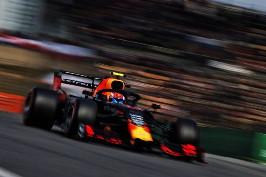 Max Verstappen (NLD) Red Bull Racing RB15. 13.04.2019. Formula 1 World Championship, Rd 3, Chinese Grand Prix, Shanghai, China, Qualifying Day. - www.xpbimages.com, EMail: requests@xpbimages.com - copy of publication required for printed pictures. Every used picture is fee-liable. © Copyright: Moy / XPB Images