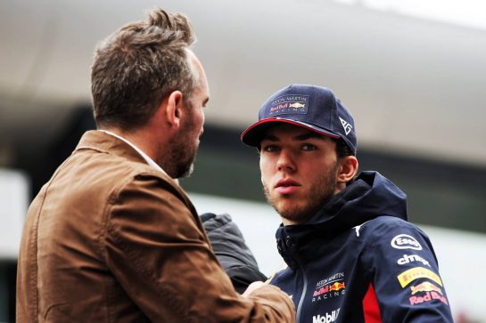 (L to R): Frank Montangy (FRA) Canal+ TV Presenter and Pierre Gasly (FRA) Red Bull Racing on the drivers parade. 14.04.2019. Formula 1 World Championship, Rd 3, Chinese Grand Prix, Shanghai, China, Race Day. - www.xpbimages.com, EMail: requests@xpbimages.com - copy of publication required for printed pictures. Every used picture is fee-liable. © Copyright: Batchelor / XPB Images