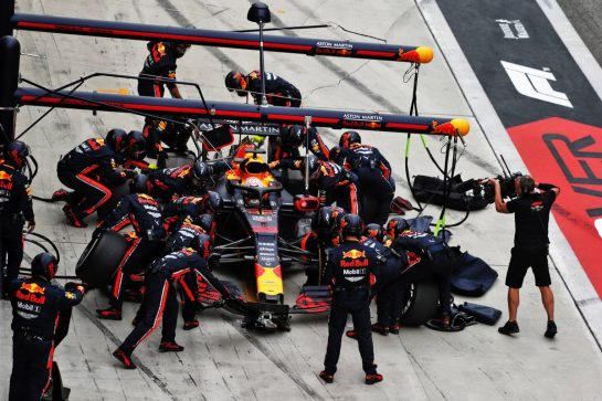Max Verstappen (NLD) Red Bull Racing RB15 makes a pit stop. 14.04.2019. Formula 1 World Championship, Rd 3, Chinese Grand Prix, Shanghai, China, Race Day.  - www.xpbimages.com, EMail: requests@xpbimages.com - copy of publication required for printed pictures. Every used picture is fee-liable. © Copyright: Bearne / XPB Images