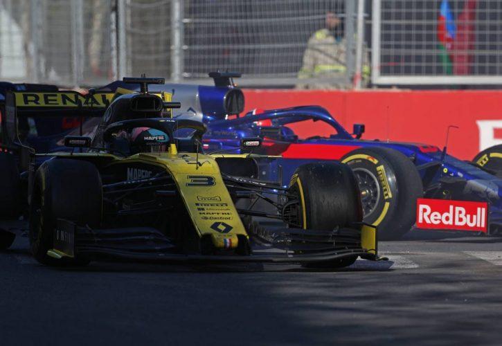 Daniel Ricciardo (AUS), Renault F1 Team and Daniil Kvyat (RUS), Scuderia Toro Rosso