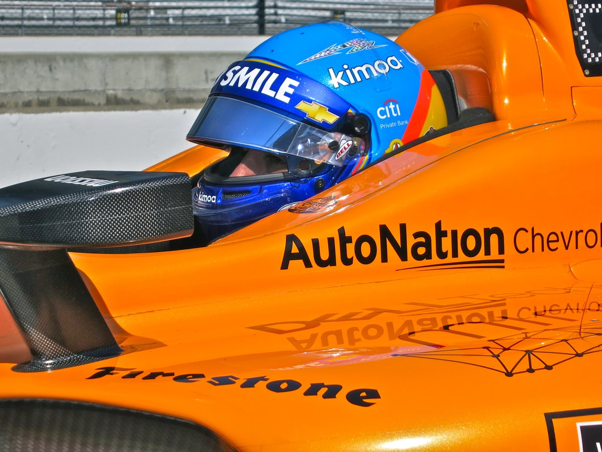 Fernando Alonso wrecks on day two of Indy 500 practice