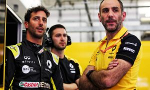 Renault boss appears unimpressed with Ricciardo defection