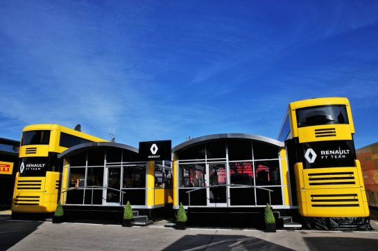 Renault F1 Team motorhome. 09.05.2019. Formula 1 World Championship, Rd 5, Spanish Grand Prix, Barcelona, Spain, Preparation Day. - www.xpbimages.com, EMail: requests@xpbimages.com - copy of publication required for printed pictures. Every used picture is fee-liable. © Copyright: Batchelor / XPB Images