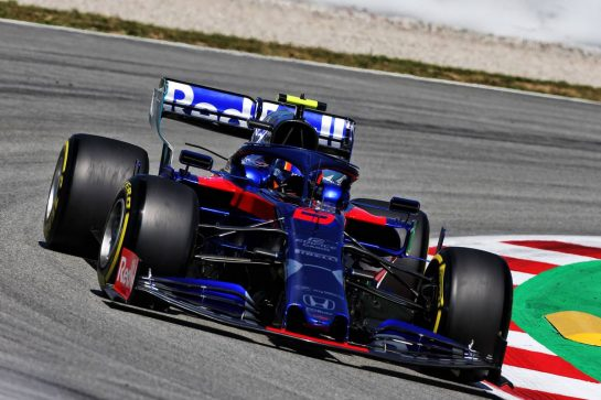Alexander Albon (THA) Scuderia Toro Rosso STR14. 10.05.2019. Formula 1 World Championship, Rd 5, Spanish Grand Prix, Barcelona, Spain, Practice Day. - www.xpbimages.com, EMail: requests@xpbimages.com - copy of publication required for printed pictures. Every used picture is fee-liable. © Copyright: Moy / XPB Images