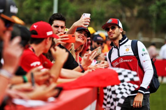 Antonio Giovinazzi (ITA) Alfa Romeo Racing with fans.
