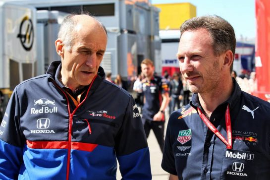 (L to R): Franz Tost (AUT) Scuderia Toro Rosso Team Principal with Christian Horner (GBR) Red Bull Racing Team Principal.