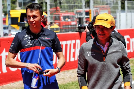 (L to R): Alexander Albon (THA) Scuderia Toro Rosso and Lando Norris (GBR) McLaren on the drivers parade.