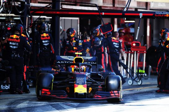 Pierre Gasly (FRA) Red Bull Racing RB15 makes a pit stop.