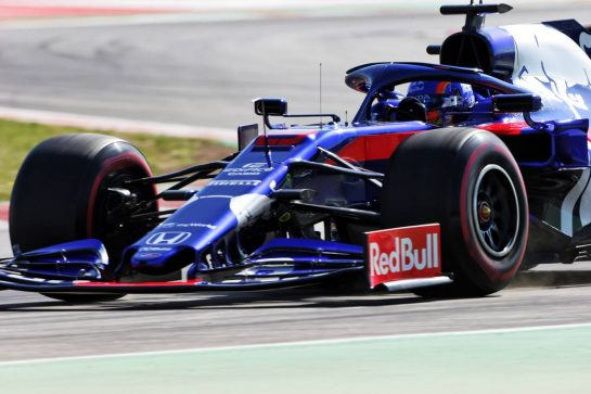 Alexander Albon (THA) Scuderia Toro Rosso STR14. 15.05.2019. Formula One In Season Testing, Day Two, Barcelona, Spain. Wednesday.  - www.xpbimages.com, EMail: requests@xpbimages.com - copy of publication required for printed pictures. Every used picture is fee-liable. © Copyright: Bearne / XPB Images