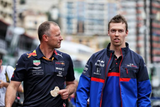 (L to R): Ole Schack (DEN) Red Bull Racing Mechanic with Daniil Kvyat (RUS) Scuderia Toro Rosso. 22.05.2019. Formula 1 World Championship, Rd 6, Monaco Grand Prix, Monte Carlo, Monaco, Preparation Day. - www.xpbimages.com, EMail: requests@xpbimages.com - copy of publication required for printed pictures. Every used picture is fee-liable. © Copyright: Batchelor / XPB Images