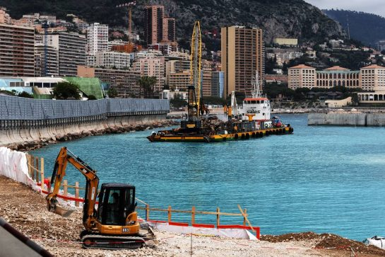 Construction work around the circuit. 22.05.2019. Formula 1 World Championship, Rd 6, Monaco Grand Prix, Monte Carlo, Monaco, Preparation Day. - www.xpbimages.com, EMail: requests@xpbimages.com - copy of publication required for printed pictures. Every used picture is fee-liable. © Copyright: Moy / XPB Images