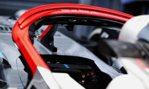 Mercedes adds red halo as tribute to Lauda