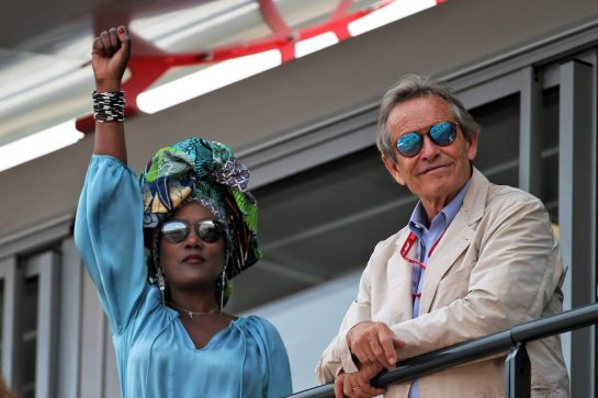 Jacky Ickx (BEL) with his wife Khadja Nin (BUR). 25.05.2019. Formula 1 World Championship, Rd 6, Monaco Grand Prix, Monte Carlo, Monaco, Qualifying Day. - www.xpbimages.com, EMail: requests@xpbimages.com - copy of publication required for printed pictures. Every used picture is fee-liable. © Copyright: Batchelor / XPB Images